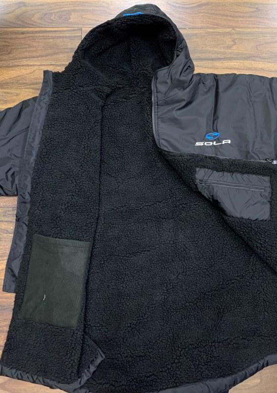 largealt3 sola changing coat A1053