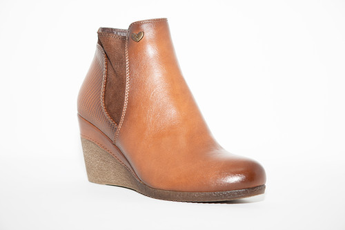Susst Nadine Tan Low Wedge Ankle Boot